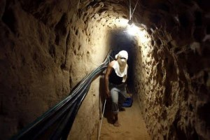 egypt-moves-to-block-gaza-tunnels-1977