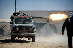 Libyan-rebels-fire-a-heav-011