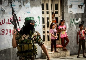 Palestinian Territories: Palestinian militants from Izz al-Din al-Qassam Brigades, dependent of Hamas movement in Gaza Strip