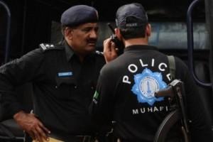 Pakistani-police3-300x200