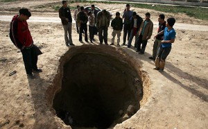 gaza-tunnels-a-hole-in-the-ground
