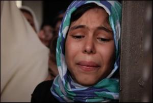 muslim-girl-crying-16