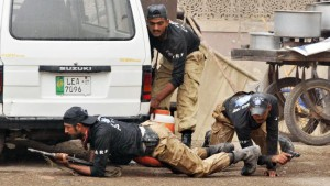 780348-pakistan-police-lahore-mosque-attack