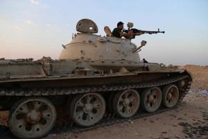 ISIS-Militants-Iraq-Tank-014