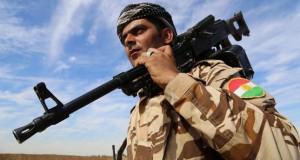 """Irak'ta Türkmenlerin çoğunlukta olduğu Diyala ilinin Karatepe kasabası ve çevresine yeni mevziler kurularak bölgenin stratejik noktalarına """"daha fazla"""" Peşmerge konuşlandırıldı. Bölgedeki peşmerge birliklerinin oluşturdukları mevzilerde bekleyişleri sürüyor. (23.10.2014) (Feriq Fereç - Anadolu Ajansı)"""
