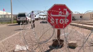 damon.libya.tunisia.border.cnn.640x360