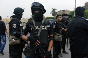 armed-egyptian-police