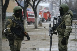 russian-soldiers-stand-guard-dagestan
