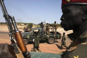 spla_soldiers_get_off_of_a_pick-up_truck_in_bentiu_unity_state_january_12_2014_350-50fee-c1672