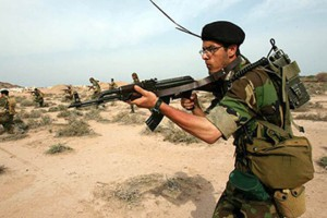 Iran_soldier_290609
