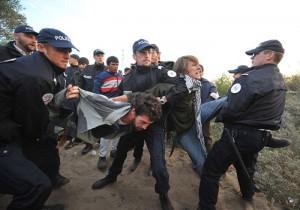 french-actvists-at-Calais-002