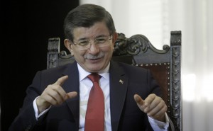epa05082255 Turkish Prime Minister Ahmet Davutoglu gestures during talks with Serbian Prime Minister Aleksandar Vucic (not seen) in Belgrade, Serbia, 28 December 2015. Davutoglu is on an official two-day visit to Serbia with aims of strengthening financial ties between the two countries. EPA/KOCA SULEJMANOVIC