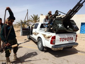 web-libya-soldiers-get