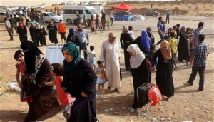 Iraqi-citizens-fleeing-Islamic-State-held-town-of-Hawija-Kirkuk-650x370
